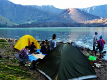 tents on the mount rinjani lake